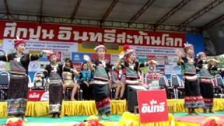タイの東北地方のダンス ボクシング興行の前のリハーサル