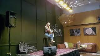 Lauren Marshall - Singer/Guitarist 2021