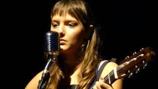 Mallu Magalhães - Por Causa de Você, Menina [02.12.2010]