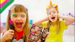 Марго и Настя играют с косметикой для детей Makeup for kids
