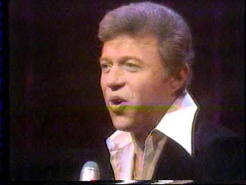 Steve Lawrence 70s TV clip