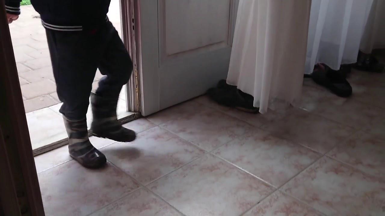 Konyhai szoba hűtőszekrény víz csatlakoztatása