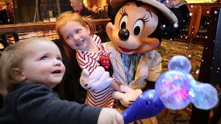 Niko In Disneyland Minnie Mouse Meets The Kids And Family For An Ultimate Best Day Ever