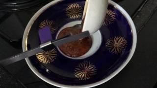 Юный химик. Опыт с сахаром(Сегодня мы будем плавить сахар, делать леденец Смотрите еще видео со мной: Юный химик. Опыты и экспериме..., 2016-08-27T15:43:18.000Z)