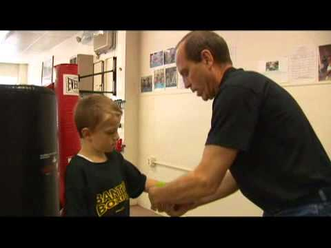 Youth Boxing Gear: Wrapping Hands