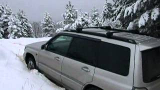 subaru forester off road in snow , forester off road in snow , foresteri tovlshi