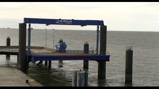 Neue Elbefähre vor dem Start