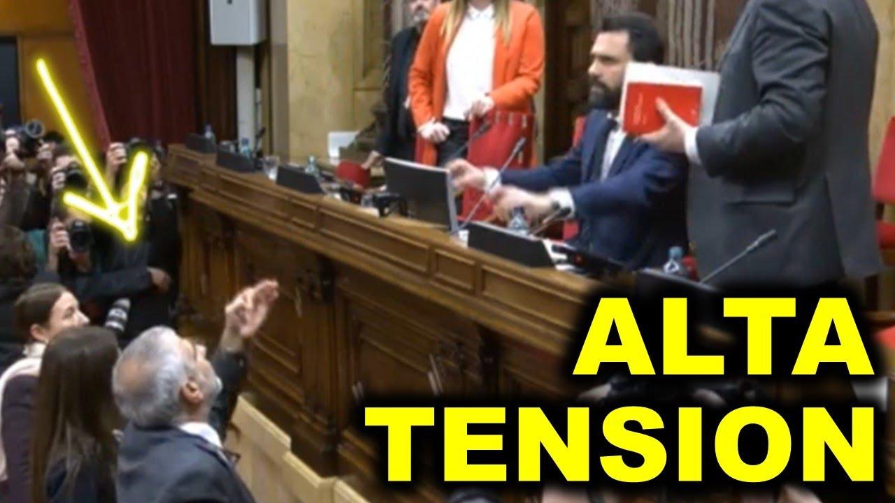 ¡DELINCUENTE, DELINCUENTE! | Torrent suspende el pleno tras cantarle Lorena Roldán la verdad a TORRA