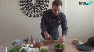 15 полезных завтраков: Салат из творога с овощами