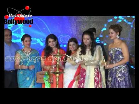 Patralekha, Shriya Pilgaonkar As Showstoppers at Glamour 2016 Style Walk With Amrita Fadnavis