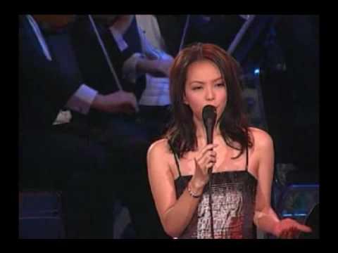 A-Mei 張惠妹 - 意難忘 (歌聲妹影 - Live in HK)