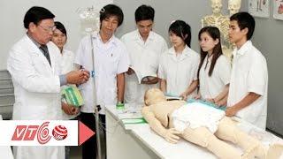 Học sinh nghèo khó theo ngành Y đa khoa   VTC
