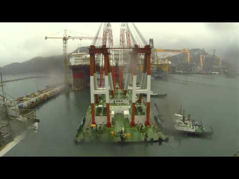 Giant offshore crane
