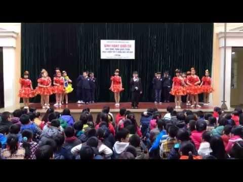 Sinh hoạt dưới cờ lớp 4B - trường Trần Quốc Toản Hà Nội