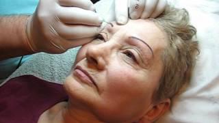 Tatuaj sprancene pers in varsta http://www.machiajtatuaj.ro