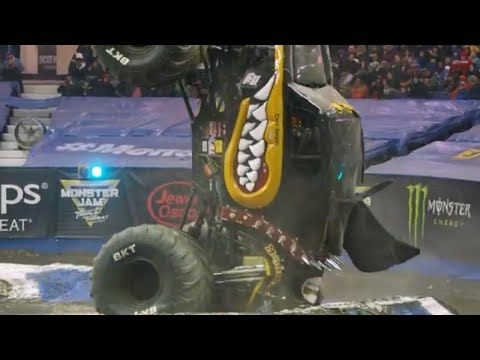 Rosemont, IL Highlights   Monster Jam 2019 - Triple Threat Series Central