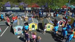 On September 27, more than 300 volunteers from PG&E spent the day celebrating our 30th anniversary by building 30 playhouses