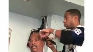 Прикол. Укуренный парикмахер