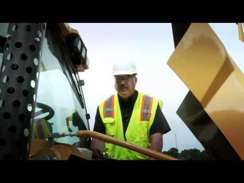 Daily Fluid Checks for the Cat® 416F, 420F and 430F Backhoe Loaders