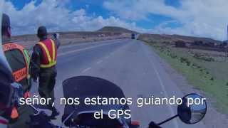 Policias de Bolivia cobran coima a motociclistas argentinos(Esto fue lo que paso en nuestro viaje en moto a Machu Picchu, cuando nos dirigíamos a La Paz por la Ruta Nacional 1 de Bolivia. Fue vergonzoso el accionar ..., 2013-05-02T01:27:12.000Z)