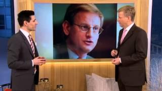 Satiriker imiterar alla våra statsministrar - Nyhetsmorgon (TV4)