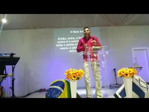 GUBERMAN FLAUSINO MINISTRANDO NA COMUNIDADE EVANGÉLICA