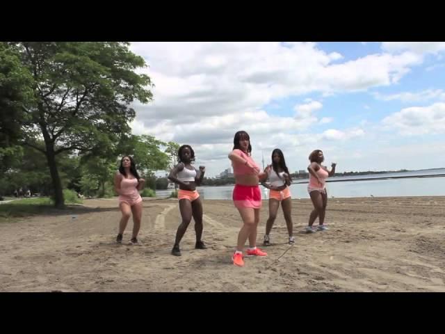 Zumba Bachata - Lejos De Ti by Groupo Extra