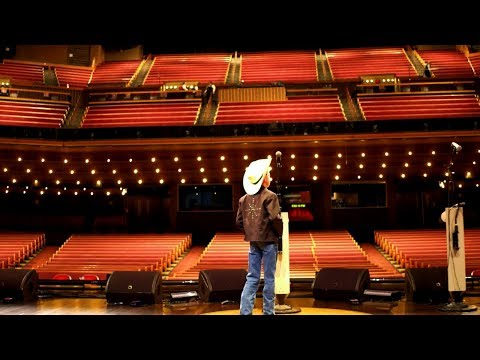 Mason Ramsey Takes the Grand Ole Opry Stage