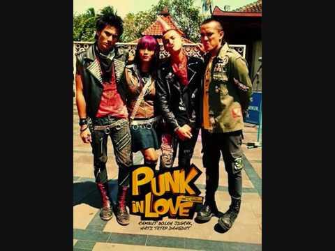Marjinal Punk in Love