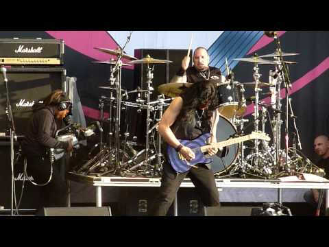 Twisted Sister - The Kids Are Back Live at Download Festival 11-06-11