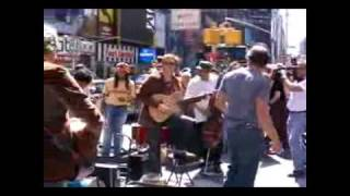a-ha - Take on Me (Live Times Square 2005 - FULL VERSION)