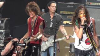 Johnny Depp jams Train Kept a Rolling with Areosmith at Comcast Cen...