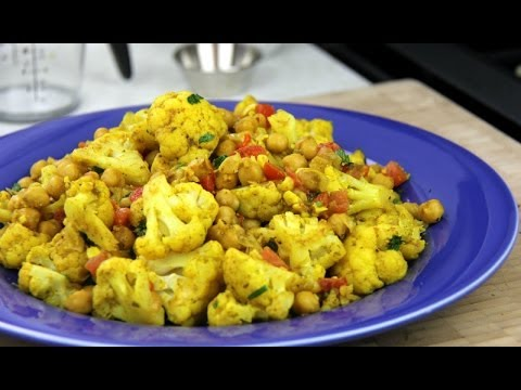 Vegetarian Cauliflower With Chickpeas Curry Recipe.