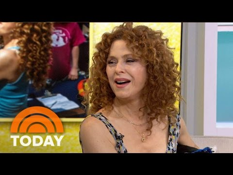 """Bernadette Peters Comments on Patti LuPone's Cell Phone Incident and """"Mozart in the Jungle"""" (Video)"""