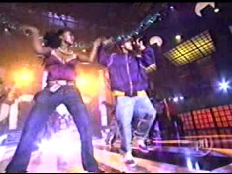 Chris Brown Feat Juelz Santana - Run It live at the 2005 VIBE awards