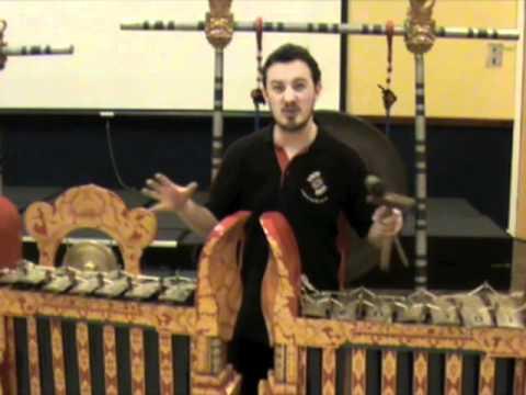 Balinese gamelan ombak vibration