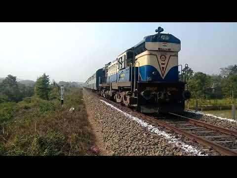 15469 Alipurduar - Lumding INTERCITY EXPRESS powered by MLDT WDM3A