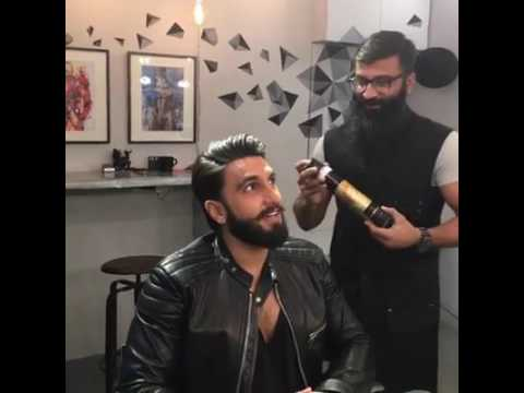 Ranveer Singh giving tips for good hairstyle