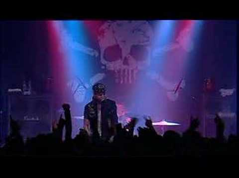 Backyard Babies - A Song For The Outcast (Live)