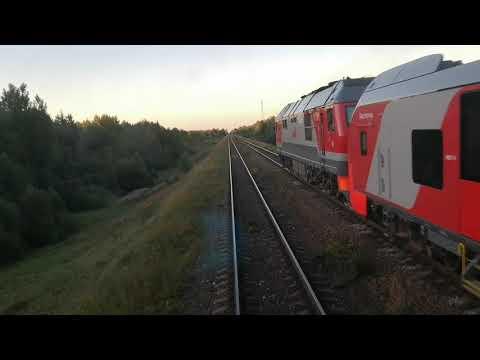 Глазами машиниста: Ласточка обгоняет грузовой поезд