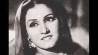 """Noor Jahan """"Taangan Teriyan Nein Peeche Peeche La Liya"""" punjabi song-4"""