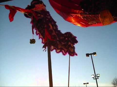 Lân trèo cột- Chợ Lion Milpitas( 7)