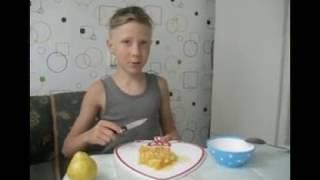 Фруктовый салат из груши и апельсина