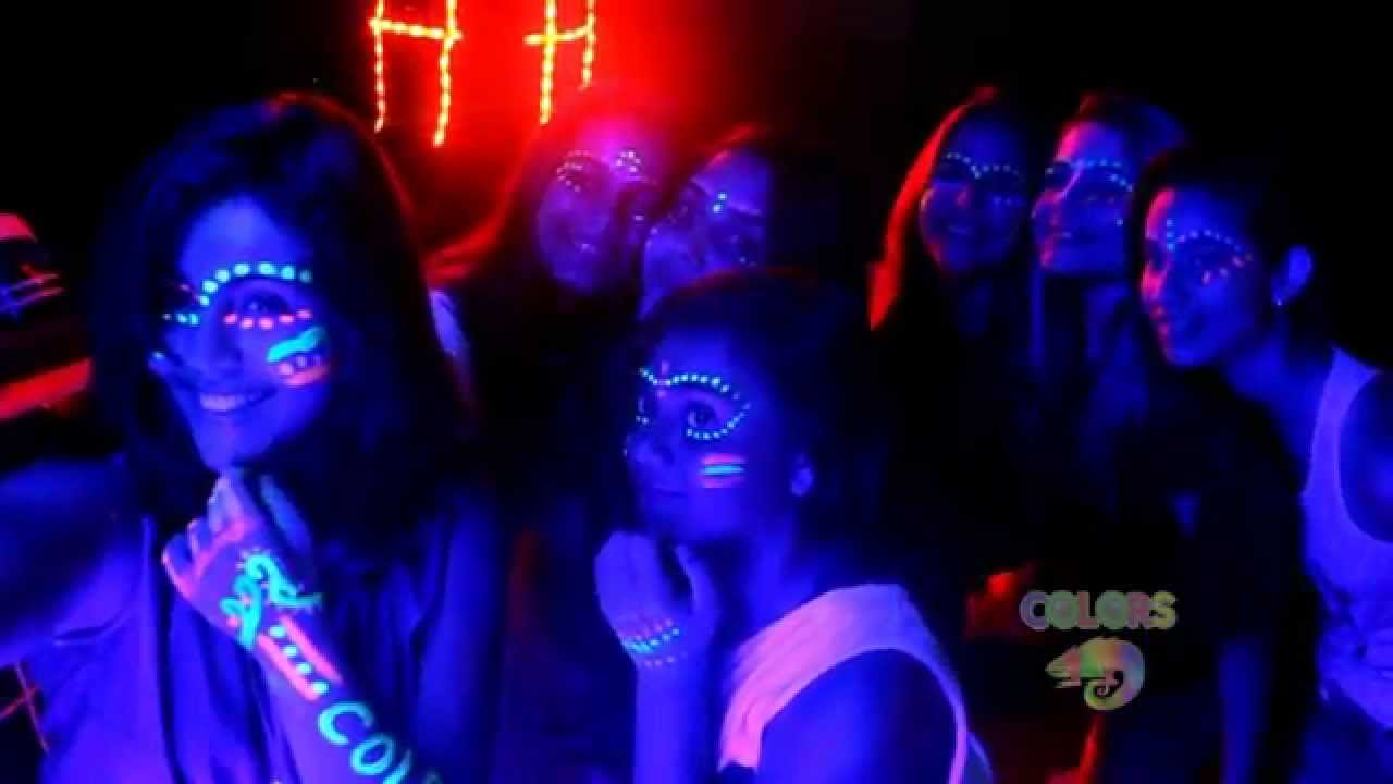 decoracao festa neon : decoracao festa neon:Clipe COLORS – Festa Neon 2015 – YouTube