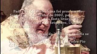 Um pequeno resumo da historia de Padre Pio de Pietrelcina.