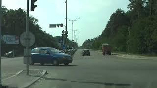 Круговое движение на площади Шевченко и запутанный поворот