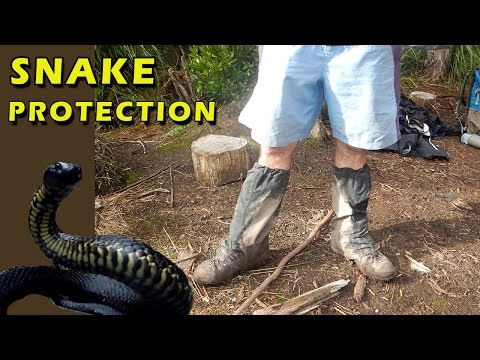 Leg Protection From Snakes, Hiking Boots And Waterproof Gaiters