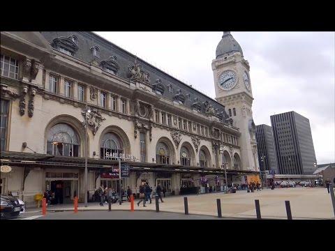 Paris ; Gare de Lyon ;  Boulevard Diderot ; Horloge ; Parvis ; France