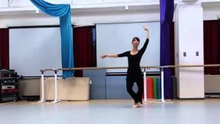 バレエのステップのシソンヌの紹介です。 大人からバレエを始めた方の為...