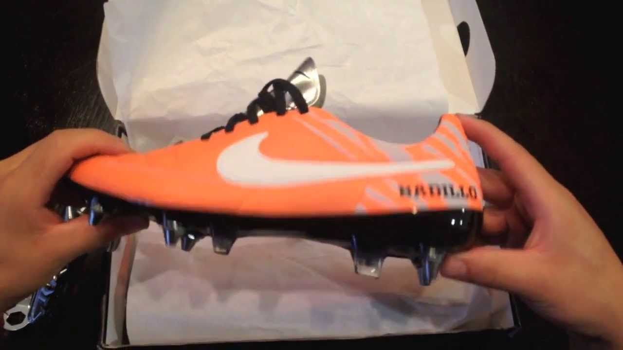 ea7f4c866 Nike ID Tiempo 5 Unboxing SG-Pro Atomic Orange - White Reflective - YouTube